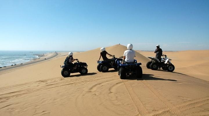 Namibia-Walvis-Dunes-720×400